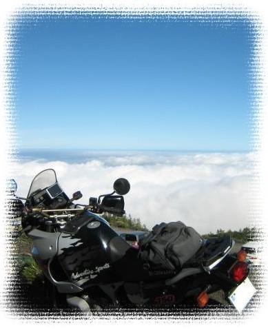 アフリカツインと雲海